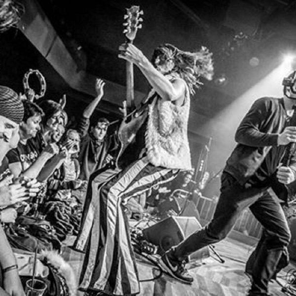 Revy gitary a dunenie basy alebo krst nového albumu v Smer Klube 77